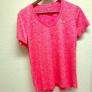 Pink Under Armour shirt size Large